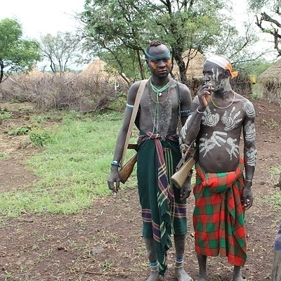 Tra i popoli primitivi della valle dell'Omo Tour Individuali e di Gruppo