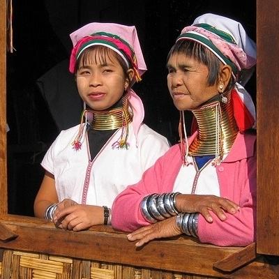 Pagode e etnie sconosciute Tour Individuali e di Gruppo