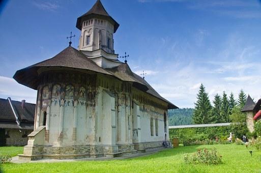 Bukovina Tour – Alla scoperta della vera campagna in Romania