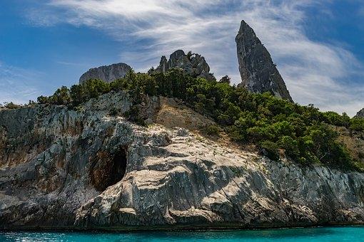 Sardegna: Monte Arci, un tuffo nella preistoria