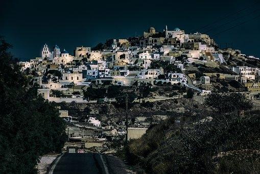 Santorini: sull'isola dell'antico mito di Atlantides