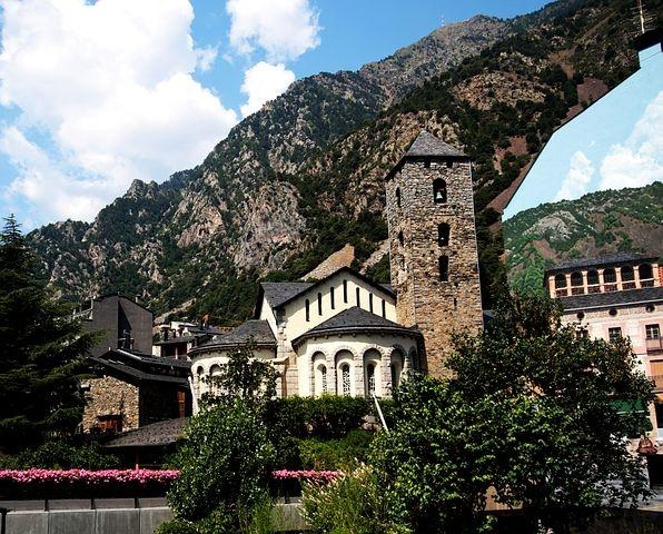 Andorra, Nel cuore dei Pirenei