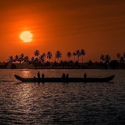 SOUTH INDIA: EXPLORE KERALA Tour Culturali